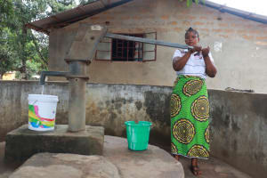 The Water Project: Masoila, 28 Conteh Street -  Collecting Water