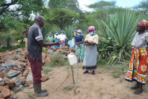 The Water Project: Mbitini Community B -  Tippy Tap Making