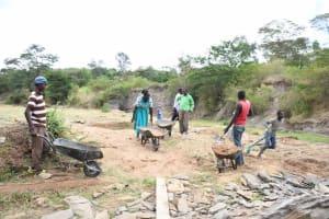 The Water Project: Ivumbu Community B -  Everybody Helping