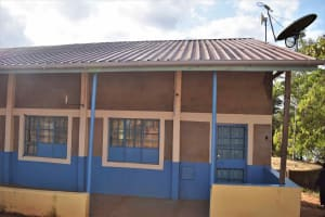 The Water Project: Nzeluni Girls Secondary School -  Gutter Installed