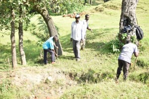 The Water Project: Luyeshe North Community, Reuben Endeche Spring -  Site Measurement