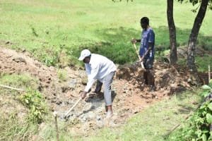 The Water Project: Luyeshe North Community, Reuben Endeche Spring -  Excavation Process