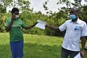 The Water Project: Luyeshe North Community, Reuben Endeche Spring -  Participantion