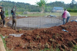 The Water Project: Friends Mudindi Village Primary School -  Wire Wall Setting