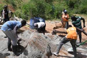 The Water Project: Kitile B Village Sand Dam -  Everybody Helping