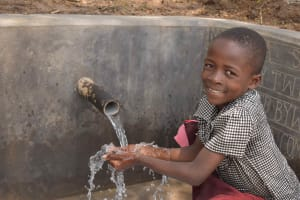 The Water Project: Lunyinya Community, Makunga Spring -  Enjoying Clean Water