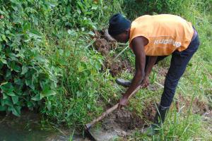 The Water Project: Malimali Community, Onyango Spring -  Opening Drainage