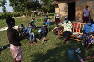 The Water Project: Malimali Community, Onyango Spring -  Participant Testing Method