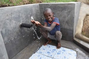 The Water Project: Malimali Community, Onyango Spring -  Omondi Splashes