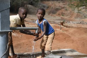 The Water Project: Yathui Community A -  Kids At Well
