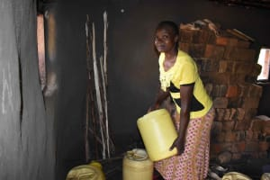 The Water Project: Makunga Community, Akinda Spring -  Joan Storing Water