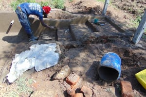 The Water Project: Mukangu Community, Mukasia Spring -  Plaster Works