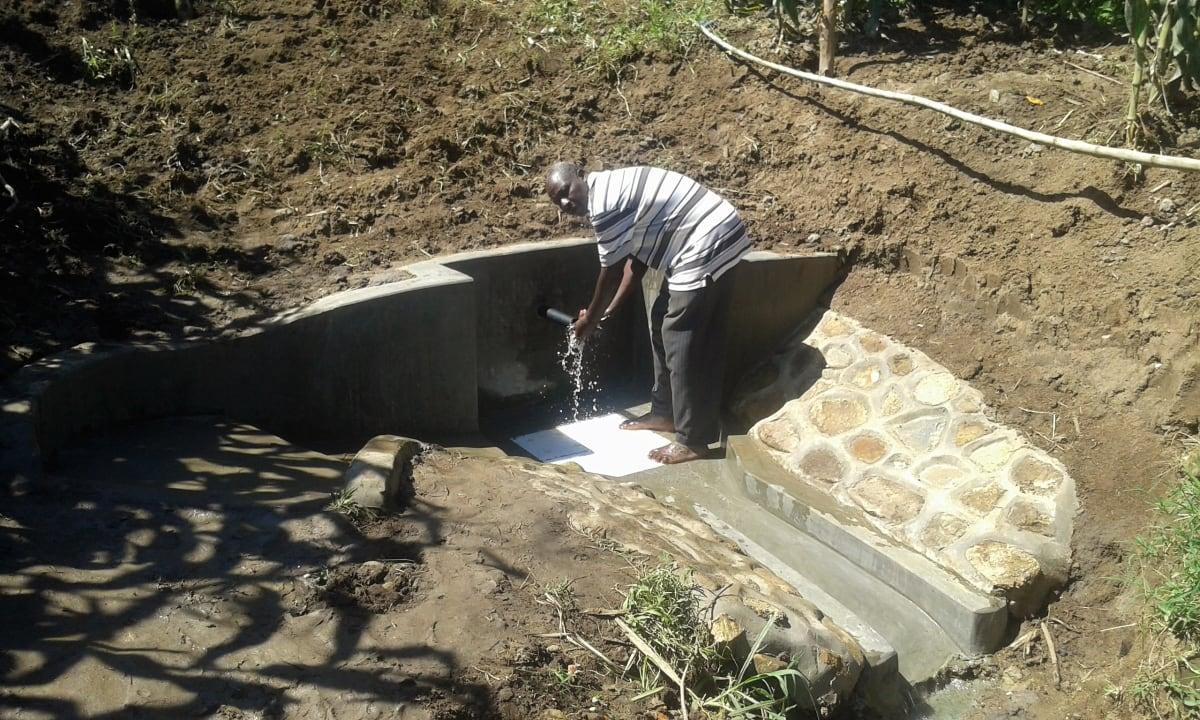 19 kenya4714 clean water