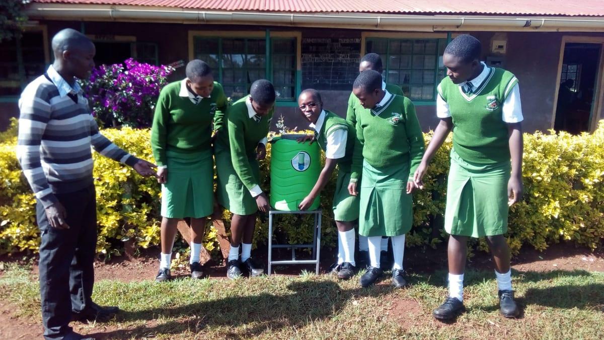 27 kenya4653 hand-washing stations