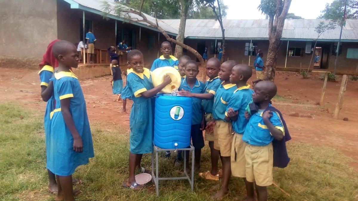 15 kenya4665 hand-washing stations