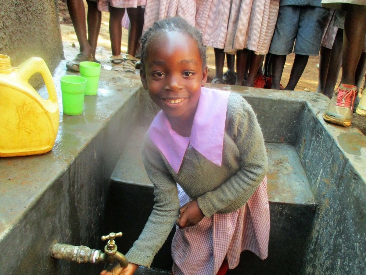 15 kenya4662 clean water
