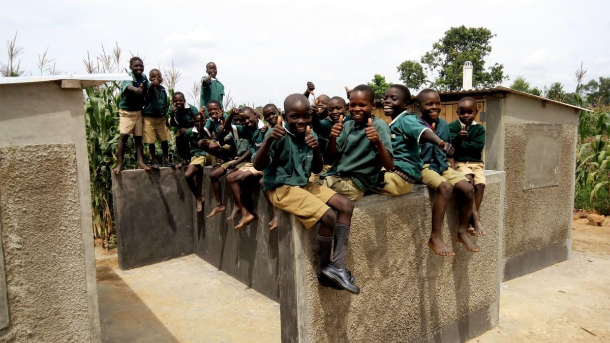 17 kenya4657 finished latrines