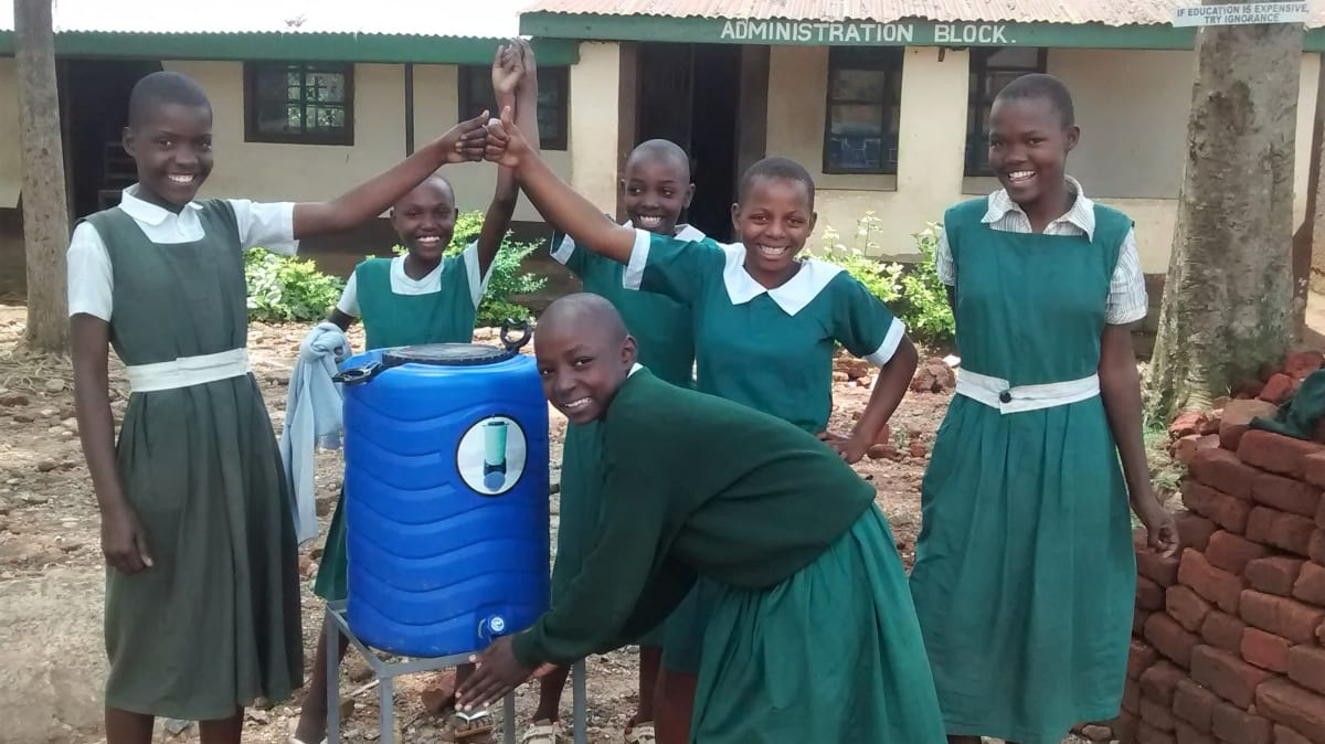 18 kenya4658 hand-washing station