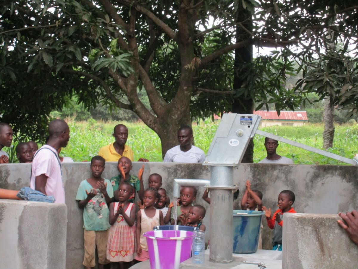 18 sierraleone5118 clean water