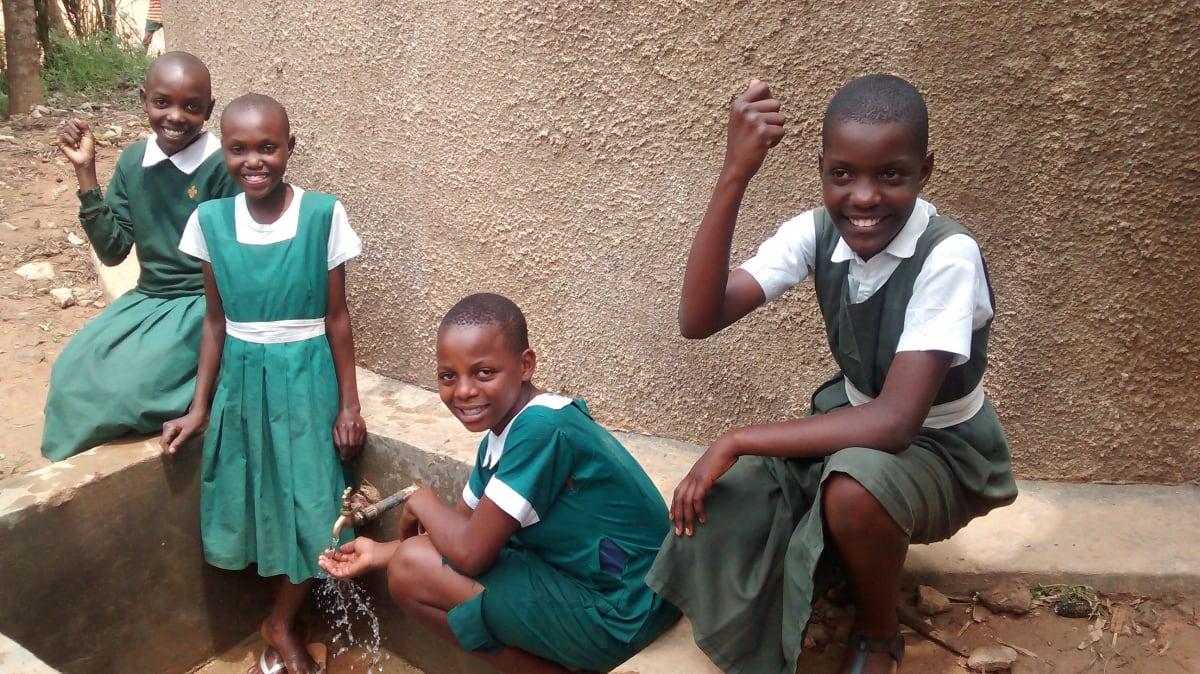 26 kenya4658 clean water