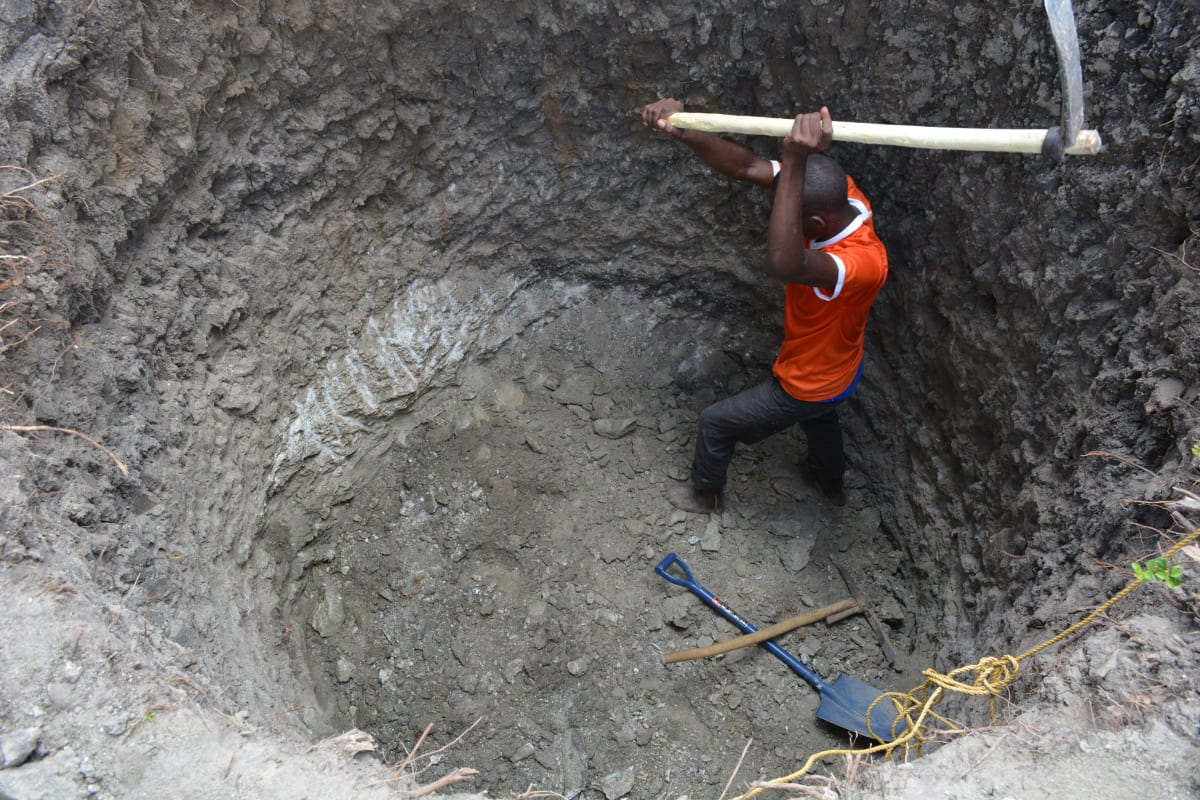 1 kenya4784 excavation