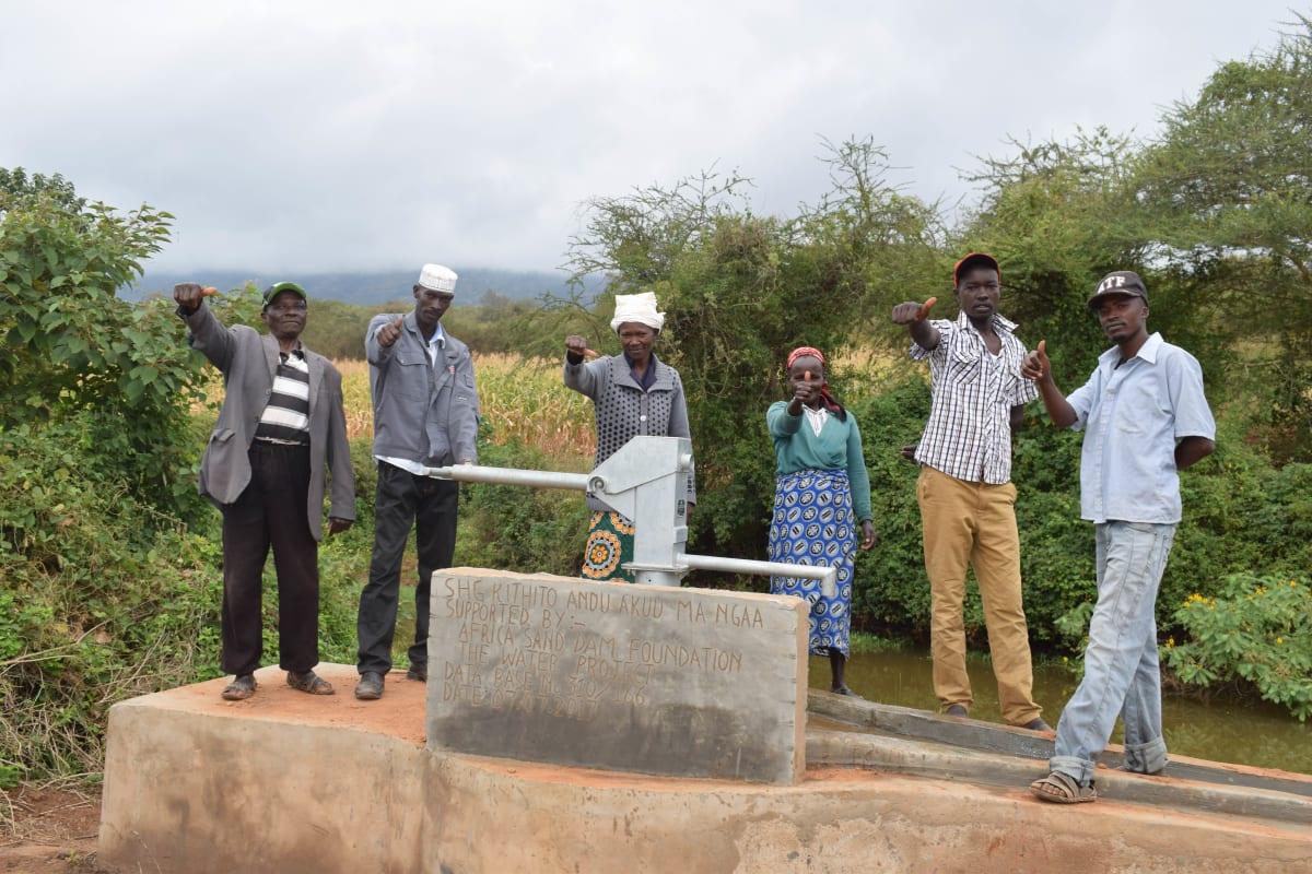 11 kenya4785 clean water