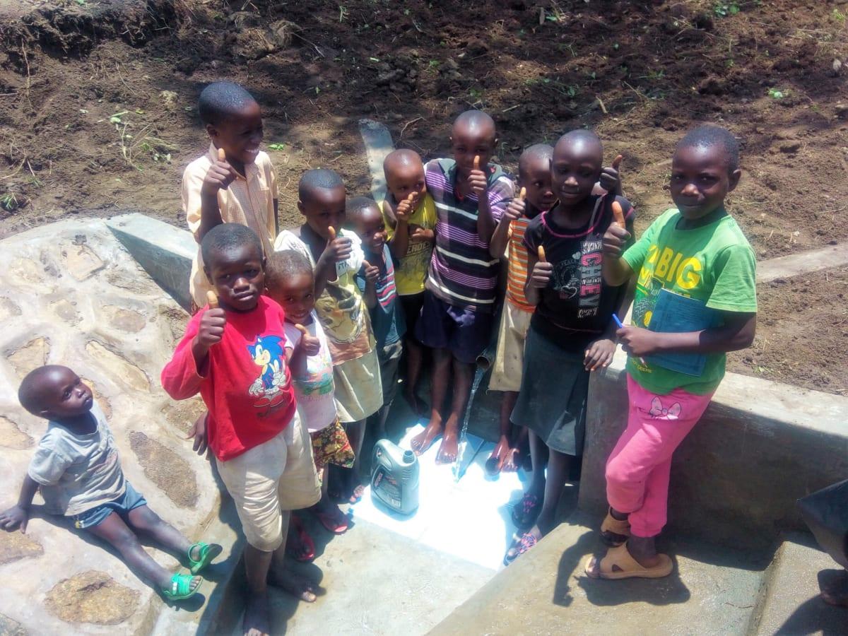 12 kenya4728 clean water