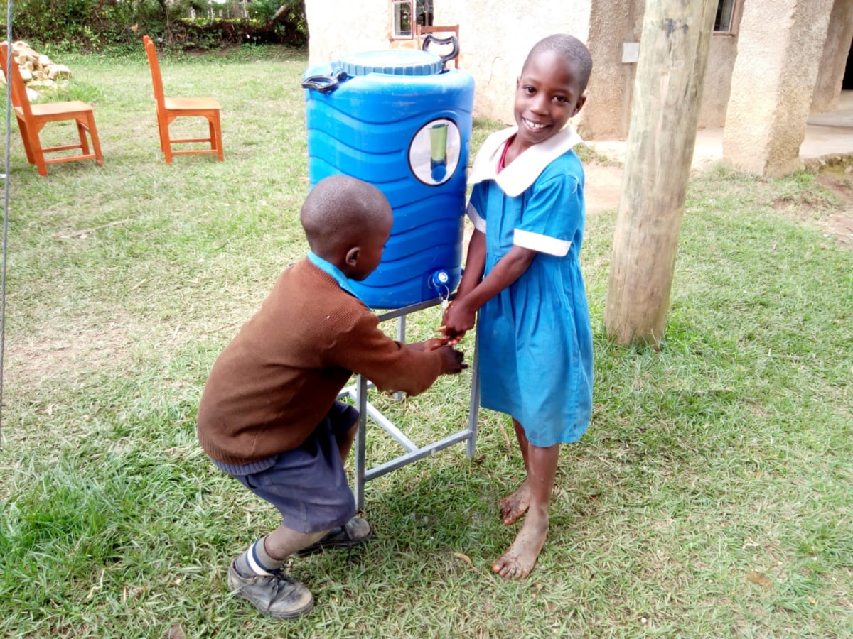 13 kenya4829 hand-washing station