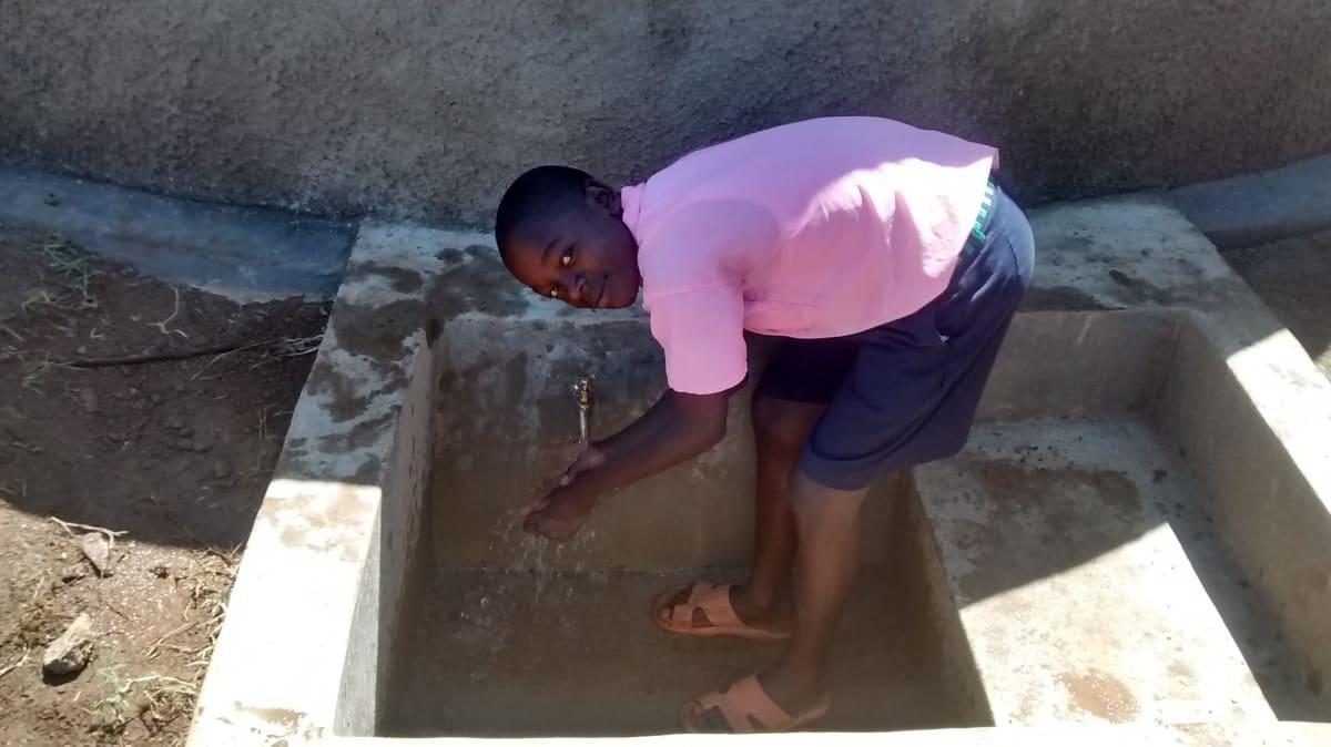 17 kenya4655 clean water