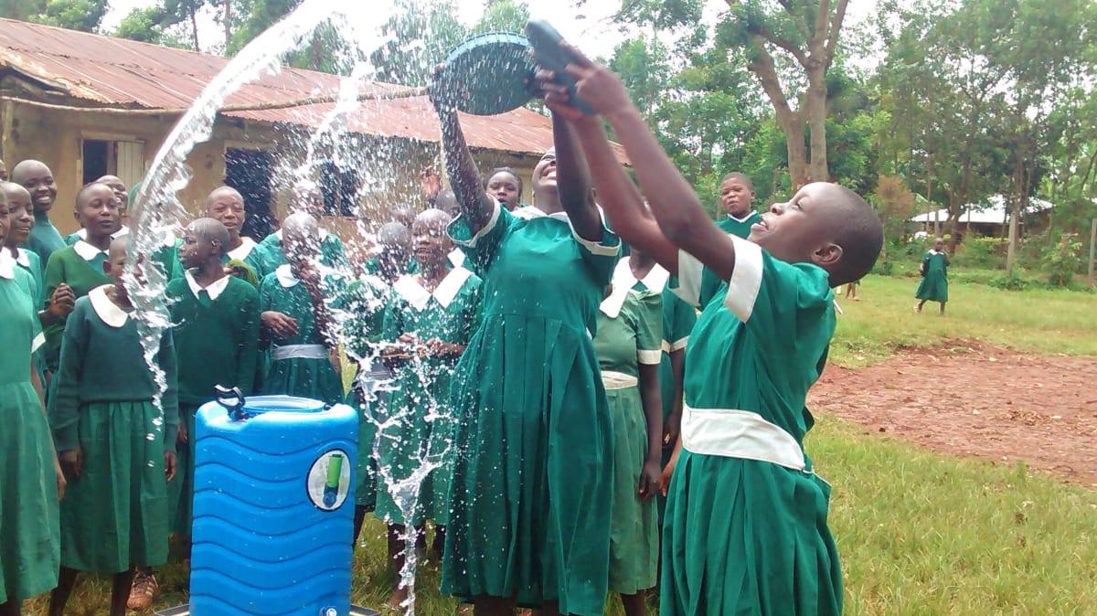 20 kenya4668 hand-washing station