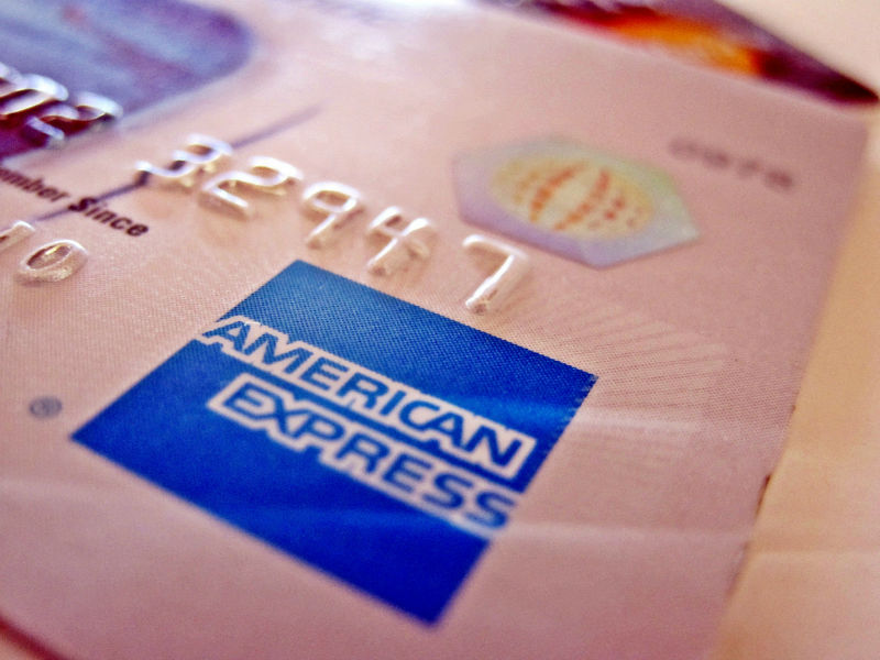 American Express - problems reserving a room on booking.com