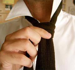 Men should button up their shirt and wear a tie