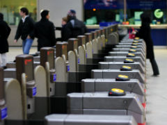 Commuters who dither at ticket machines