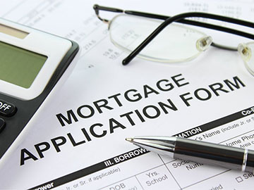 Mortgage advisors and difficulties faced buying a house