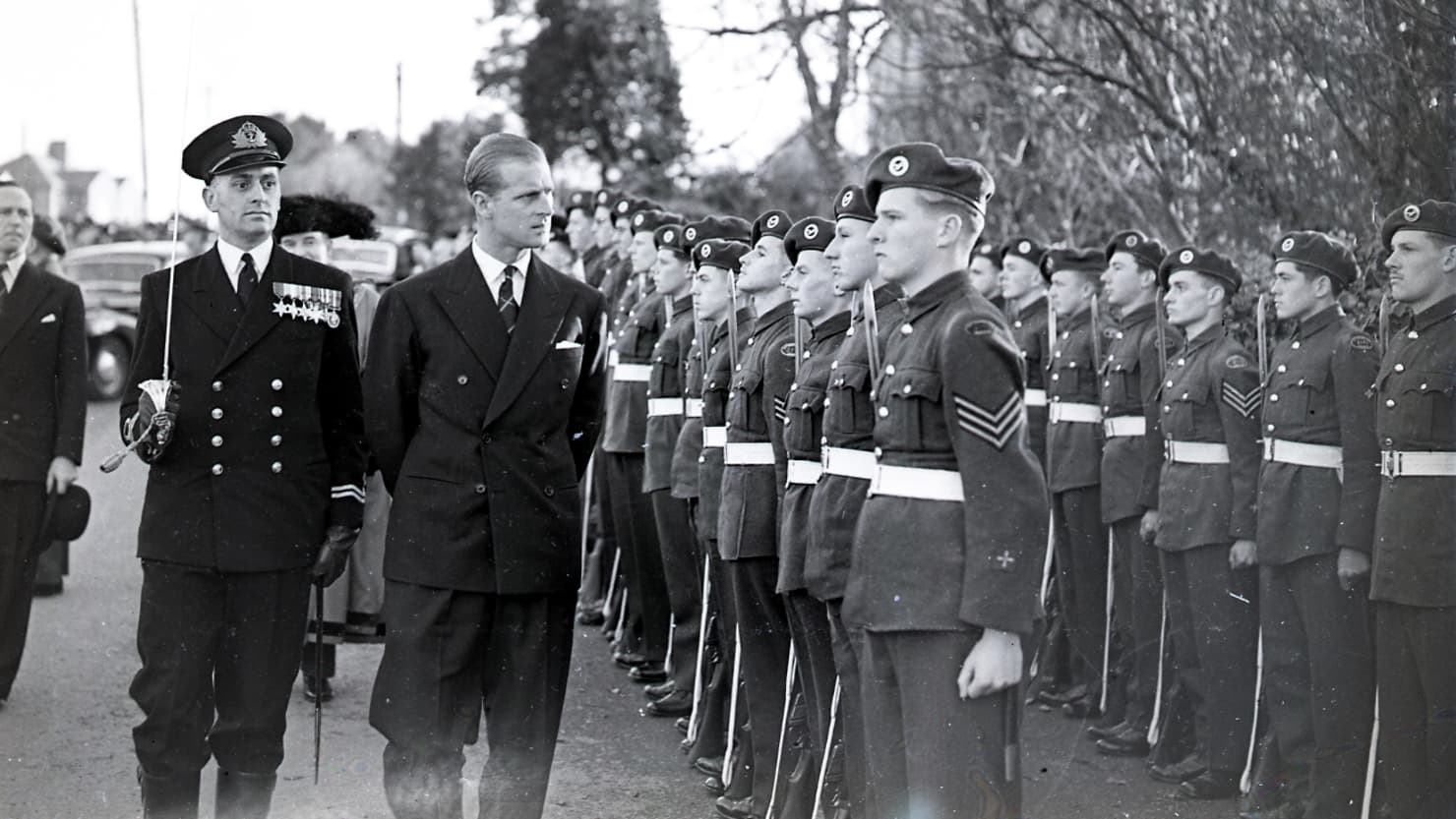 Prince Philip inspects soldiers in Elburton in October 1951 © Mirrorpix