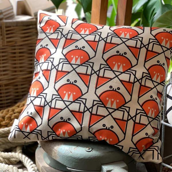 Cunning crab cushion
