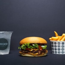Photo of menu item: Burger, Chips, Kombucha
