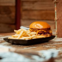 Photo of menu item: Alabama Slammer & Fries