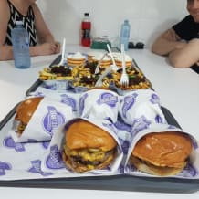 Photo of menu item: Cheeseburger1