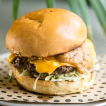 Photo of menu item: Charlie Brown Burger