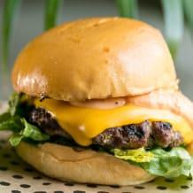 Photo of menu item: Burger Me Up Classic