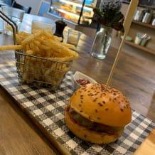 Photo of menu item: Malvern Cheese Burger