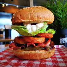 Photo of menu item: Barbecue, Bacon & Onion Rings