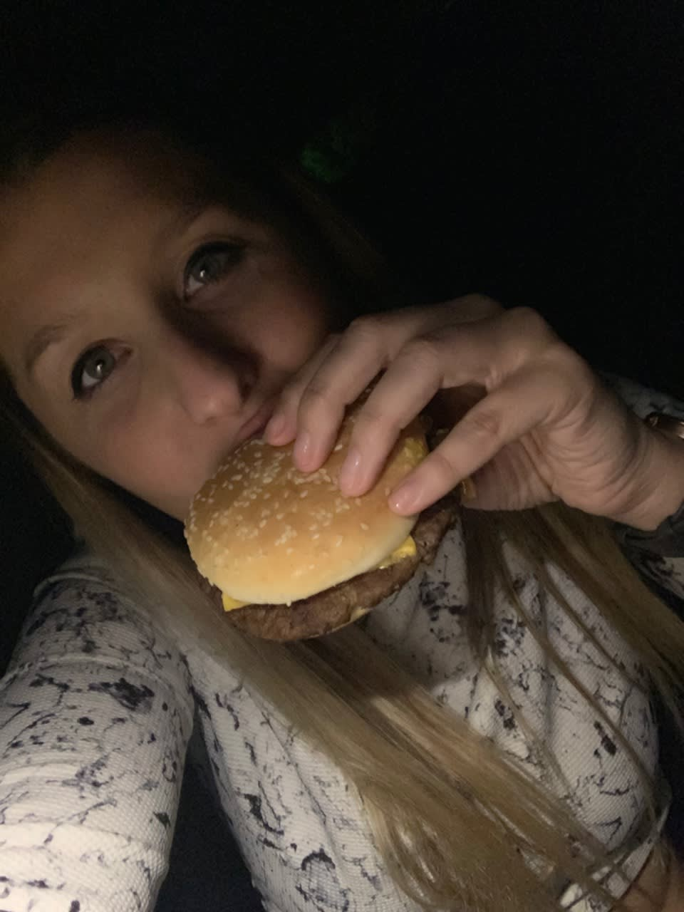 Photo of user: Girlmeetsburger