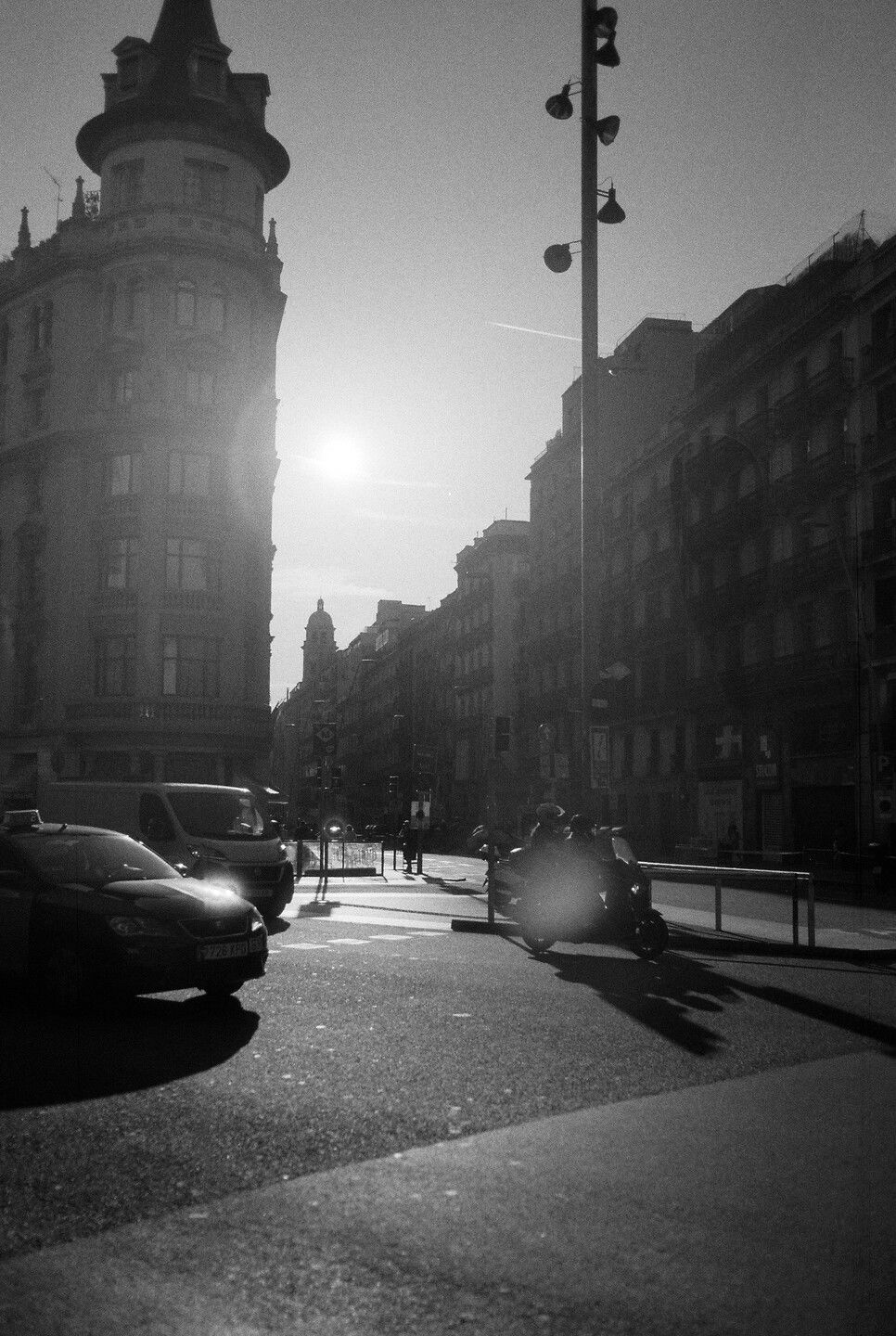 Sep 22, 2019 - Barcelona in Black and White: 10