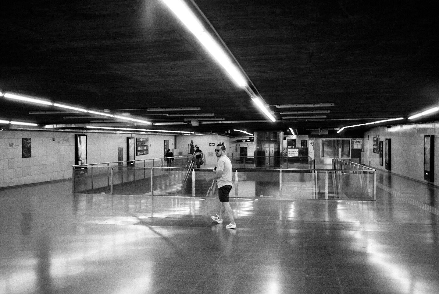 Sep 22, 2019 - Barcelona in Black and White: 13