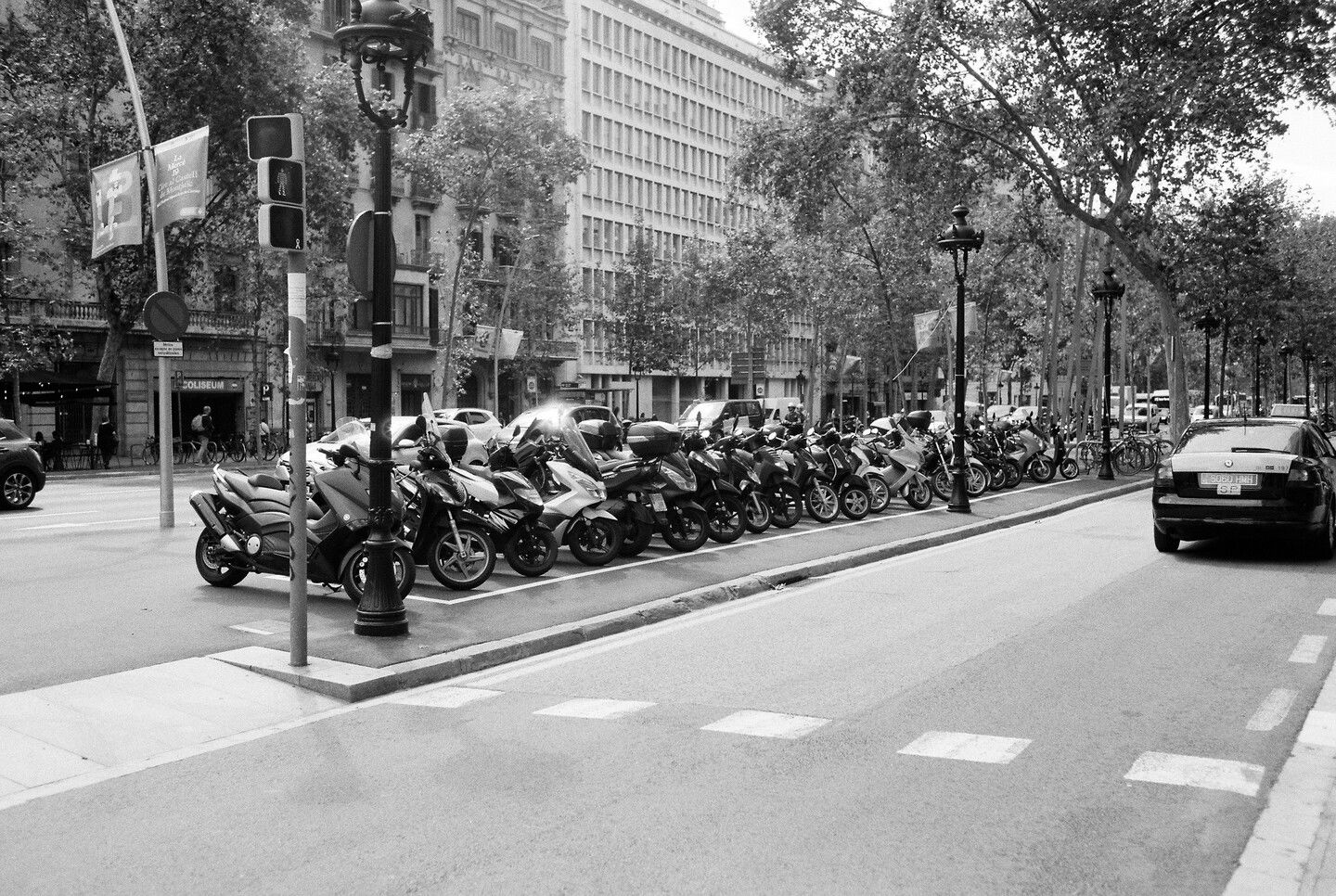 Sep 22, 2019 - Barcelona in Black and White: 8