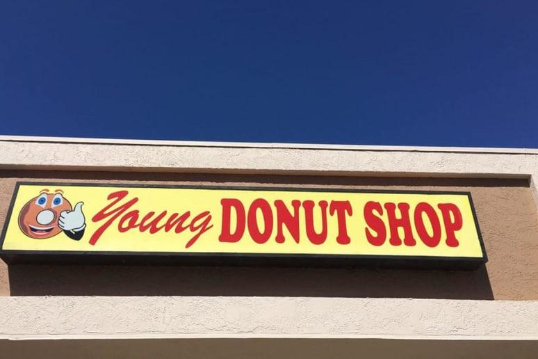 Arizona: Young Donuts, Tucson