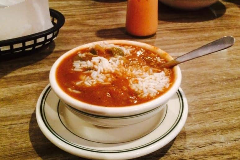 Mississippi: Mayflower Café, Jackson: Mike's Seafood Gumbo
