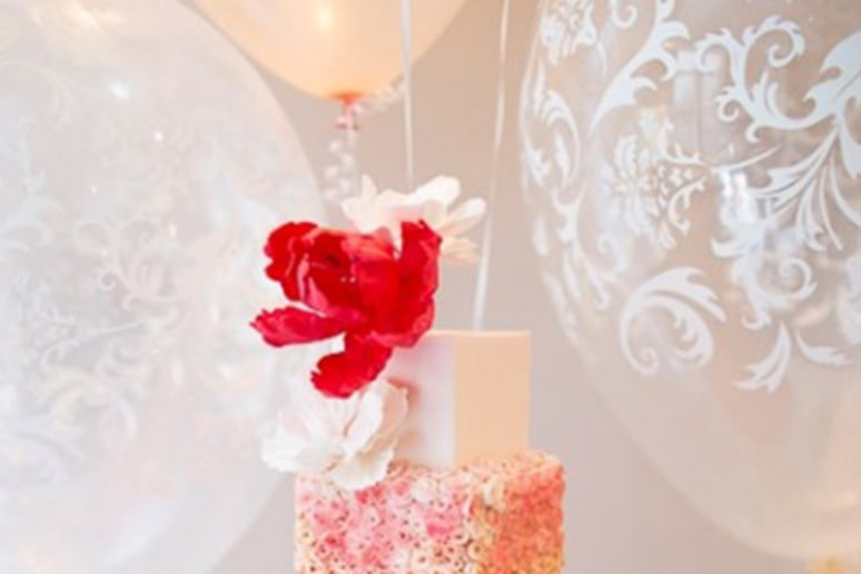 15 Over-the-Top Wedding Cakes Slideshow
